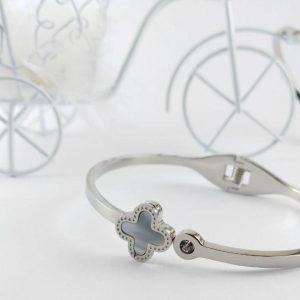 دستبند دخترانه شیک ۴۰۳۴۵۰